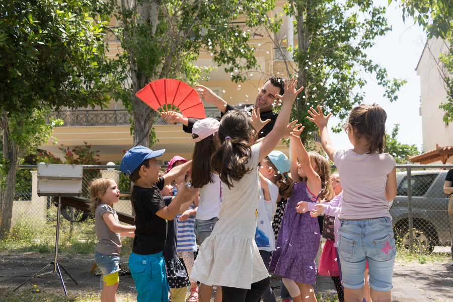 Kids Stay Focus To Magic at Magician Birthday Party